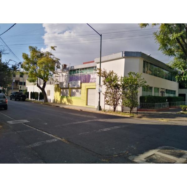 CASA / ADAPTADA COMO OFICINAS  EN VENTA EN LA COLONIA NUEVA SANTA MARÍA ALCALDÍA AZCAPOTZALCO